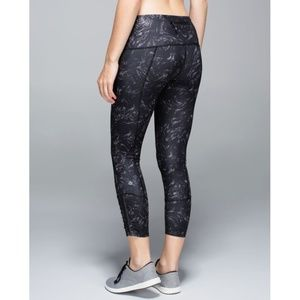 Lulu Runday Crop Arsenal Ambient Gray Black Skinny